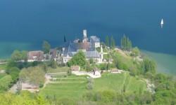 Abbaye d'Hautecombe et lac du Bourget