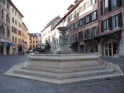 Fontaine de la place Saint-Léger